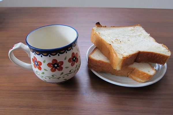糸島Noanのパンと飲み物の写真