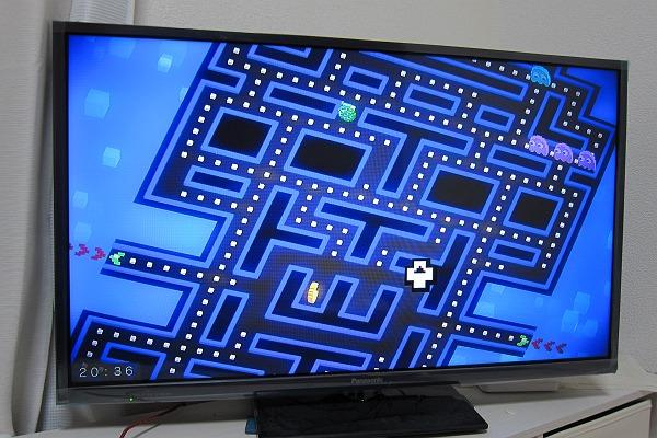 PAC-MAN265をFire TV Stickでプレイしている写真